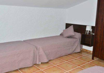 casas-rurales-rio-tus-batan-dormitorio-yeste-3